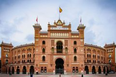5 days/4 nights in the centre of Madrid with breakfast + 1 dinner for 2 persons: Hotel Victoria 4 ***